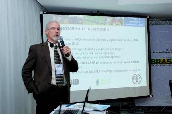 brasilia-2013-12-of-1771D2D6CD3-0C38-E973-A61B-3303009CDA8B.jpg