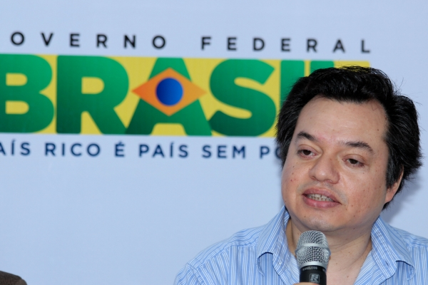 brasilia-2013-9-of-177578FF1E9-3C20-0990-091E-47730F6E8B51.jpg